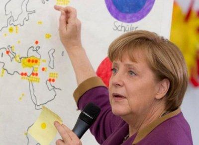 Merkel xəritədə Berlini tapa bilmədi