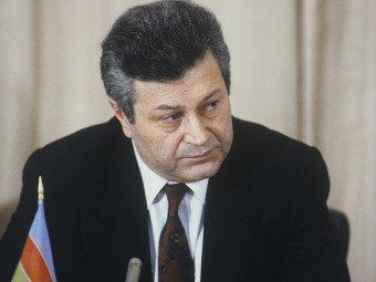 Azərbaycanın birinci prezidenti Bakiya qayıtdı