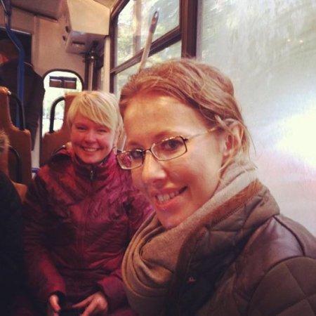Tanınmış teleaparıcı Kseniya Sobçakı trolleybusa minməyə qoymadılar