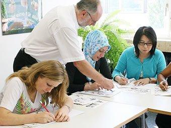 Almaniyada   61 yaşlı türk qadını alman dili  öyrənməyə məcbur edildi