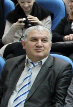 """Moskvadakı """"Azərbaycan"""" cəmiyyətinin sədri  Oktay Hüseynov qardaşına qarşı  ittihamlara cavab  verdi"""