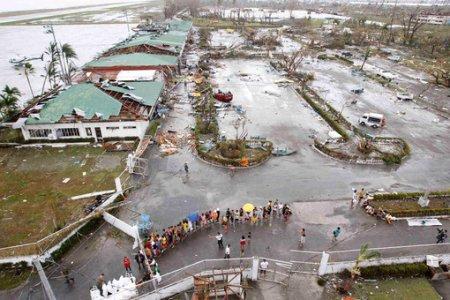 Filippində qasırğa  10 min insanın həyatını  aldı