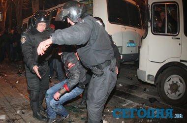 Donetsk sakinləri ilə rus tərəfdarları arasında  toqquşma