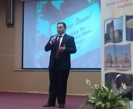 Moskvadakı  157 saylı Azərbaycan etno-təmayüllü  məktəbdə Qadınlar bayramı keçirildi