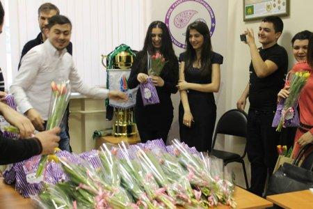 Фонд развития и возрождения Азербайджанской культуры поздравил девушек с 8 марта