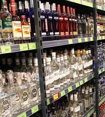 Spirtli içkilərin satışı üçün dövlət rüsumu artırılacaq