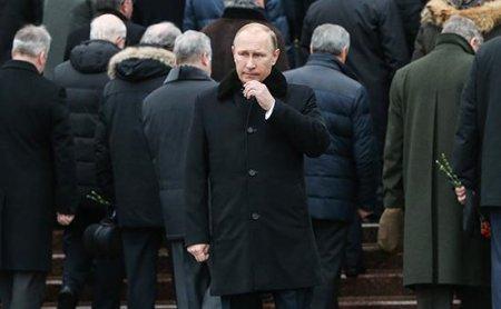 """Putinin """"ortalıqda"""" görünməməsini  yenə """"dərd"""" etdilər"""