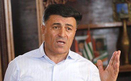Abxzaiya prezidenti müxalifətin mitinqindən sonra   DİN başçısını vəzifəsindən uzaqlaşıdırdı