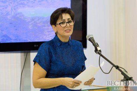 Söz və rəngin palitrasında-Maya Bədəlbəyli