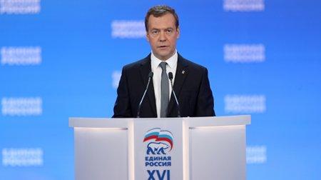Medvedev sanksiyanın ləğv edilməsini  gözləmək  illüziyadır deyib