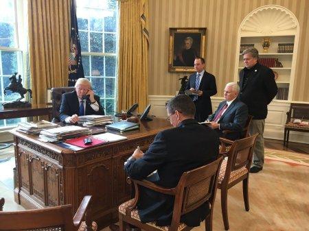Tramp ilə Putin arasında telefon danışığı başa catıb