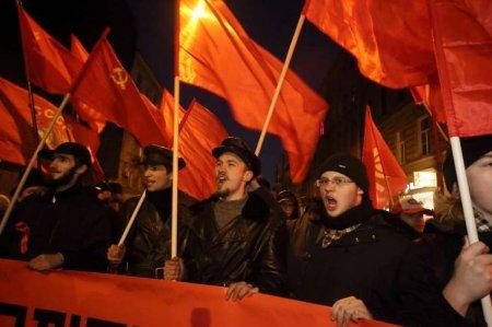 Rusların əksəriyyəti Sovet İttifaqının dağılmasına təəssüflənir