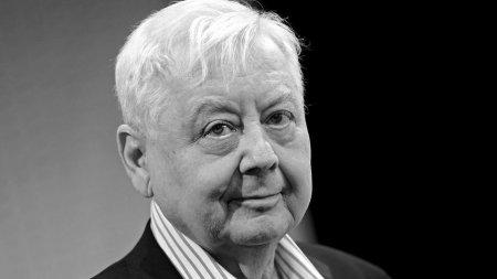 Oleq Tabakov vəfat etdi