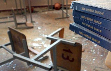 Başqırdıstan məktəbində olay-yeniyetmə sinif yoldaşlarını bıçaqla yaraladı, sinfə od vurdu