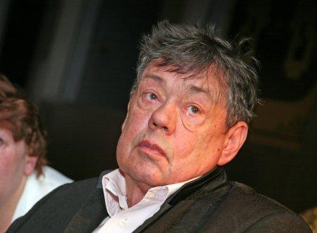 Aktyor Nikolay Karaçentsov vəfat etdi