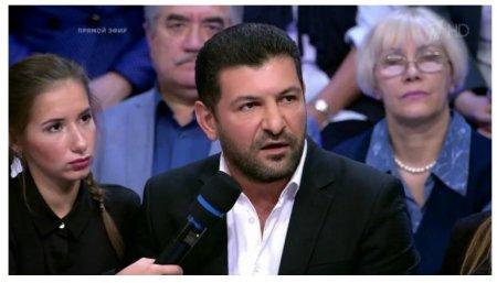 Fuad Abbasovu kim müdafiə edir?