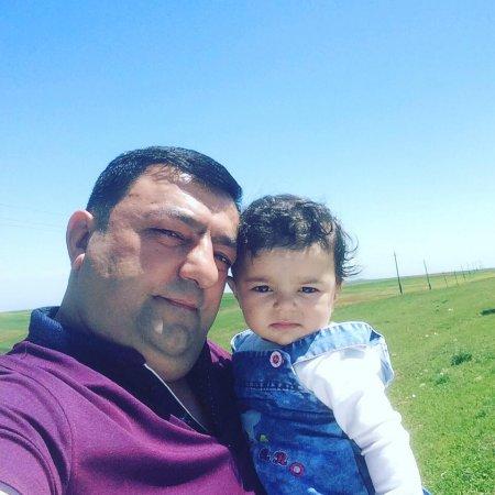 Vüqar Bayramov - Şairin dünyası qız qoxuludu!