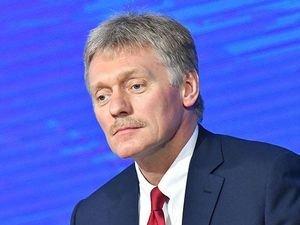 Kreml Surkovun istefası ilə bağlı xəbəri şaiyə hesab edir
