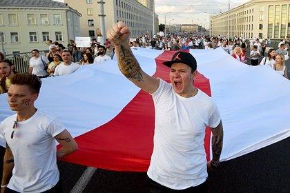 Ölkəni 26 illik vəhşətdə saxlayan Lukaşenko istefa verməlidir!