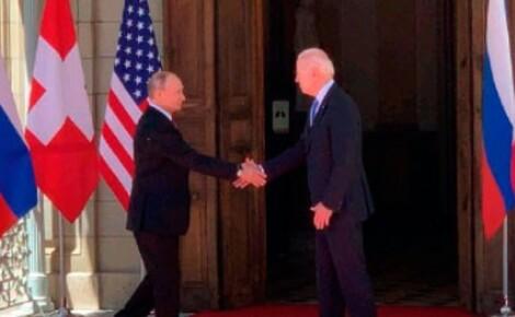 Президенты России, США и Швейцарии сначала вышли на фотографирование к прессе