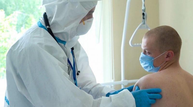 Минтруд разрешил отстранять работников, отказавшихся от вакцинации